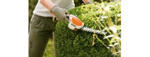 Nożyce akumulatorowe dla małych ogrodów